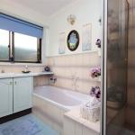 21-BLUE BATHROOM 1